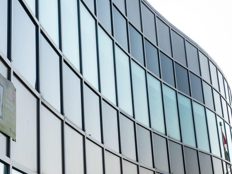 Vitrerie vision 2000 vitrerie commercial portes et fenetre for Porte et fenetre gatineau